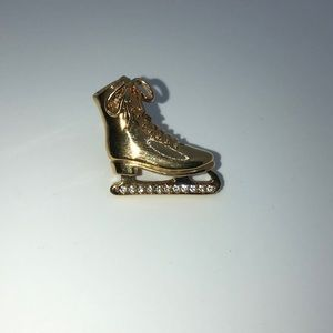 Vintage Avon Ice Skate pin brooch